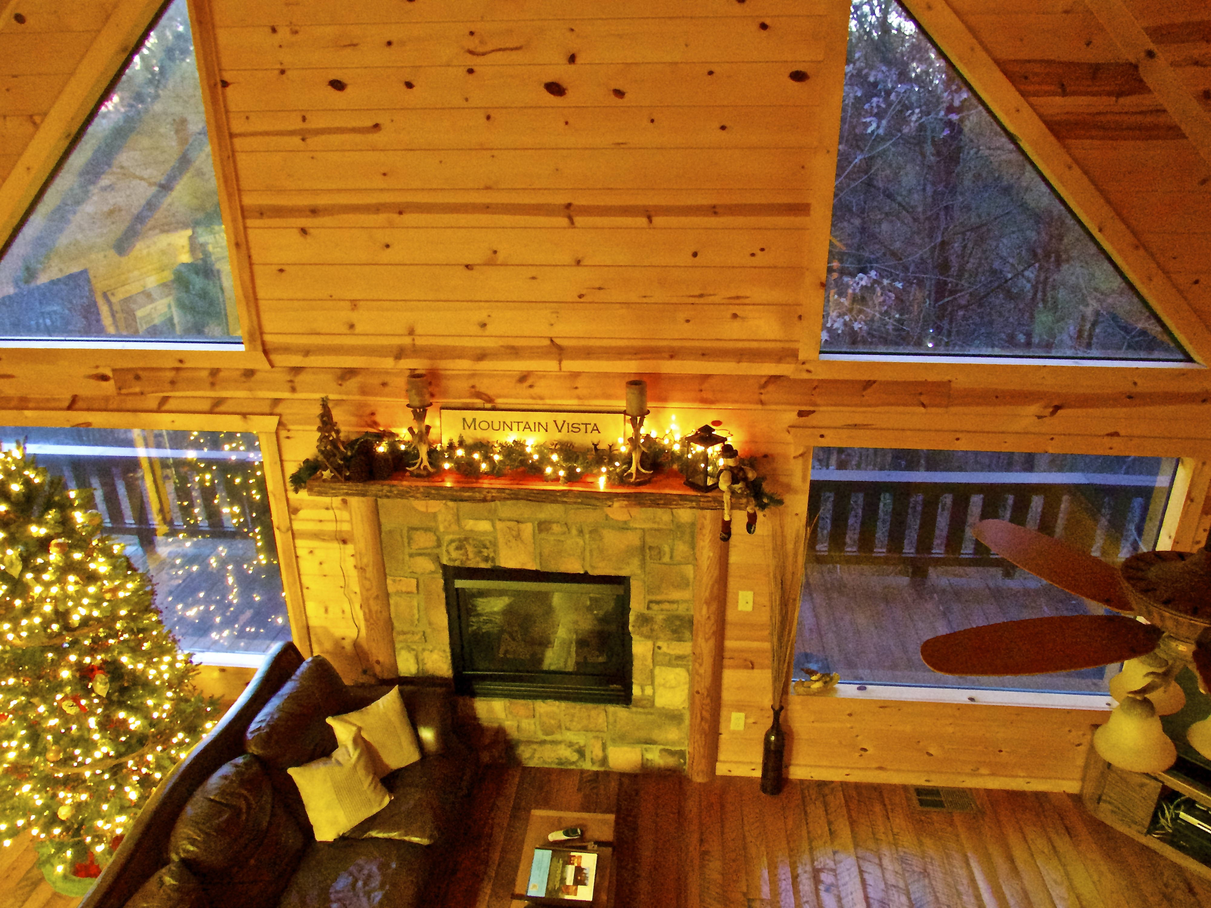 bedroom fork loft folks w cozy pine hot mountain river sleeps up to cabins cabin pin that